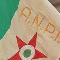 bandiera ANPI tricolore con stella